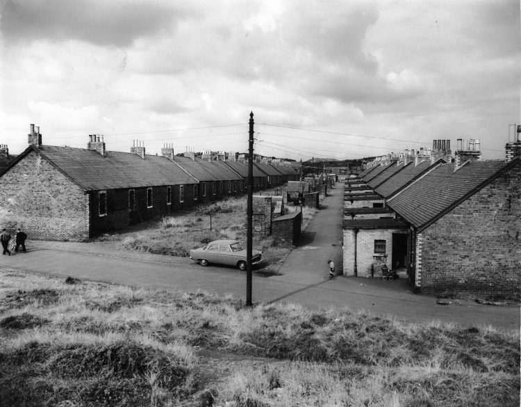 PH21/1, Cowie, miners' rows prior to demolition, 1960s