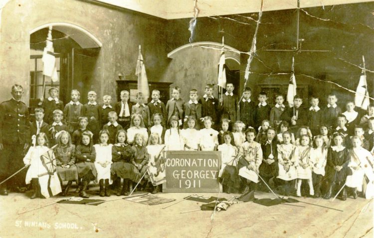 St Ninians Weaver Row School Coronation photograph, 1911