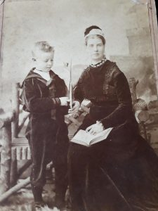Thomas with his mother c.1878