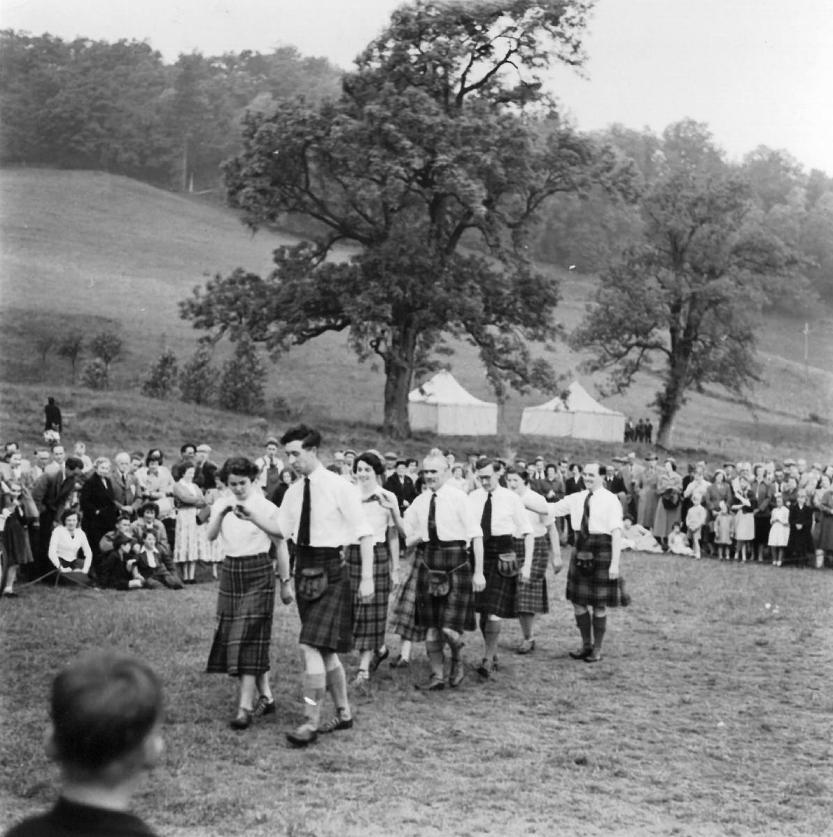 Dancing at Killin Highland Games, 1957 (Image by courtesy of Mairi Hunter, Killin)